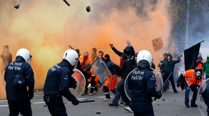 100,000 Belgium protesters clash with police after austerity march