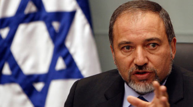 Israeli FM proposes bribes for 1948 Palestinians to leave Occupied Palestine