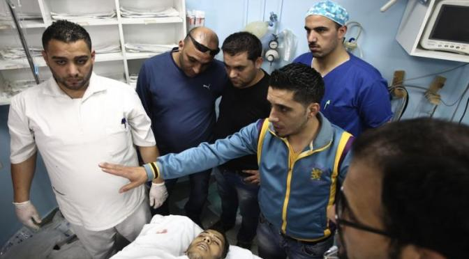 Israeli forces kill Palestinian in West Bank, detain dozens